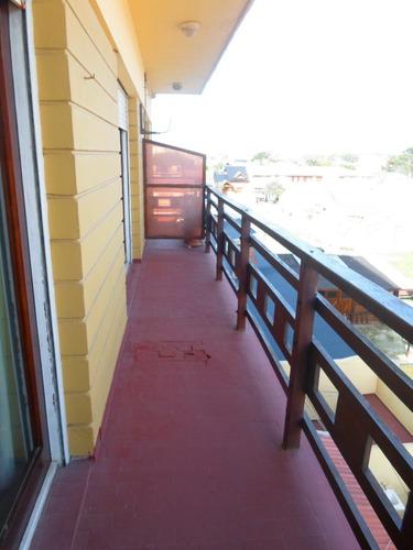 departamento de 3 ambientes frente al mar.