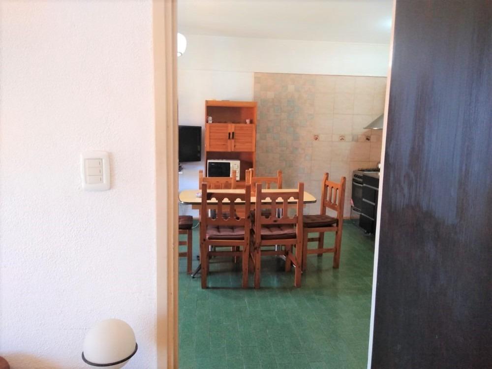 departamento de 3 ambientes frente al mar con cochera.