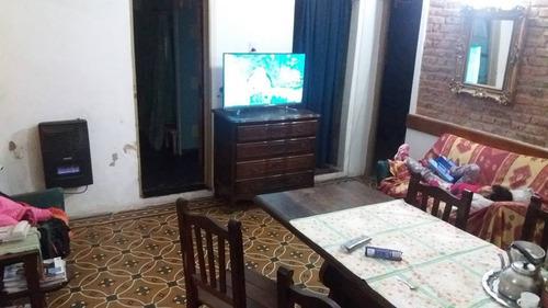 departamento de 3 ambientes único por pasillo