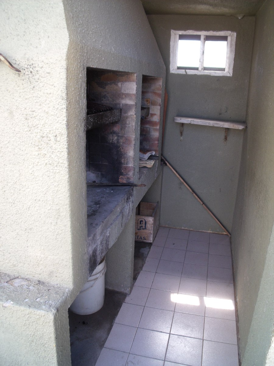 departamento de 3 ambientes,cochera comun,parrilla, centro