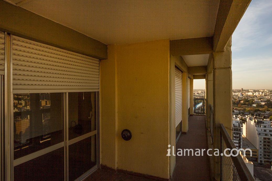 departamento de 3 dormitorios con cochera sobre deán funes
