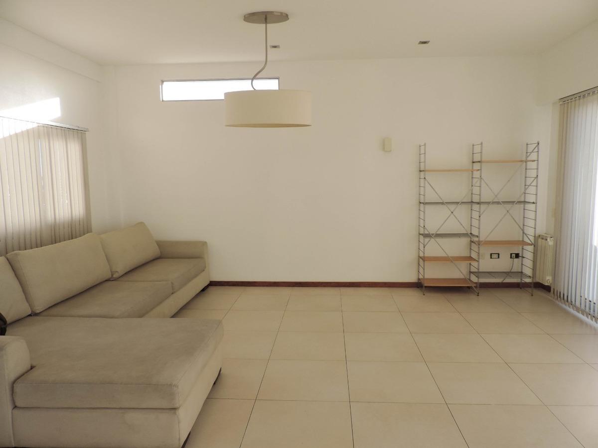 departamento de 3 dormitorios, terraza y pileta propia. 2 cocheras