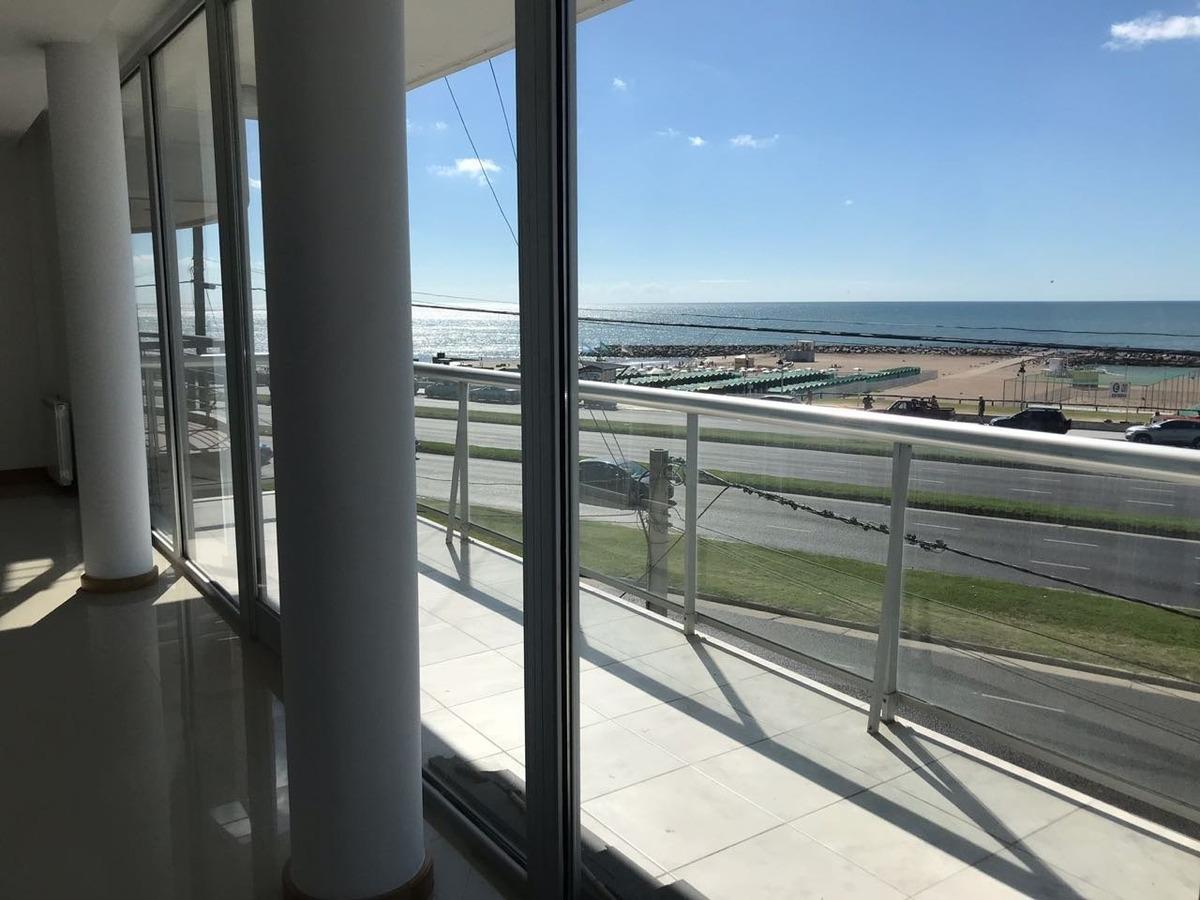 departamento de 4 amb  a estrenar con vista plena al mar