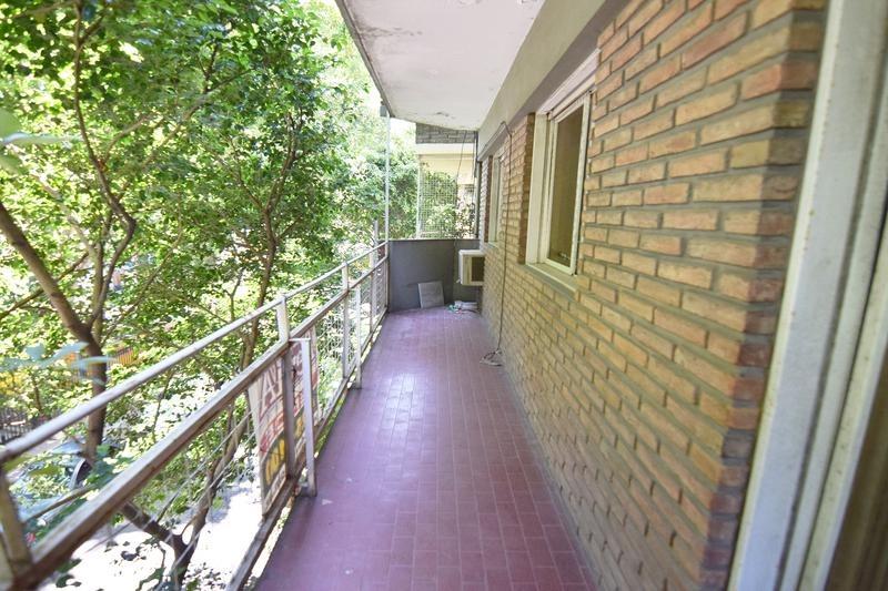 departamento de 4 ambientes - balcón - frente - belgrano