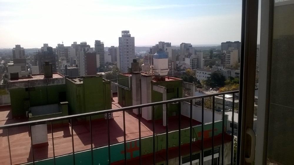 departamento de 4 ambientes con 2 balcones