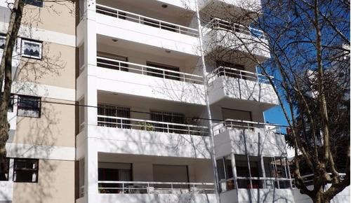 departamento de 6 ambientes en venta zona plaza colon