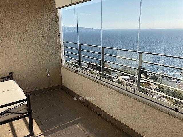 departamento de arquitectura moderna, sencilla y funcional, con vista despejada al mar. av. edmundo eluchans