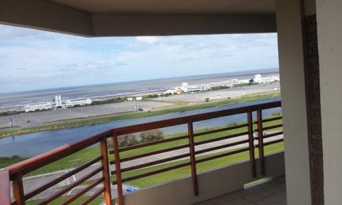 departamento de categoria 3 ambientes frente al mar 7mo piso