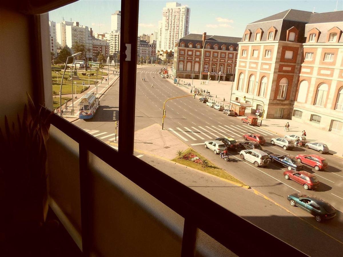 departamento de dos ambientes a la calle con cochera