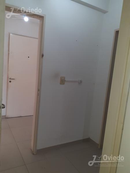 departamento de dos dormitorios en  moreno centro  **