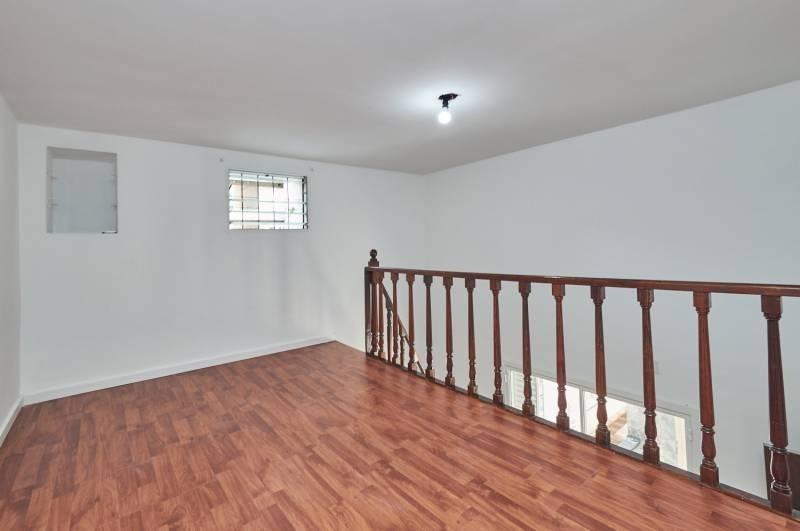 departamento de dos dormitorios y entrepiso para vivienda o apto profesional