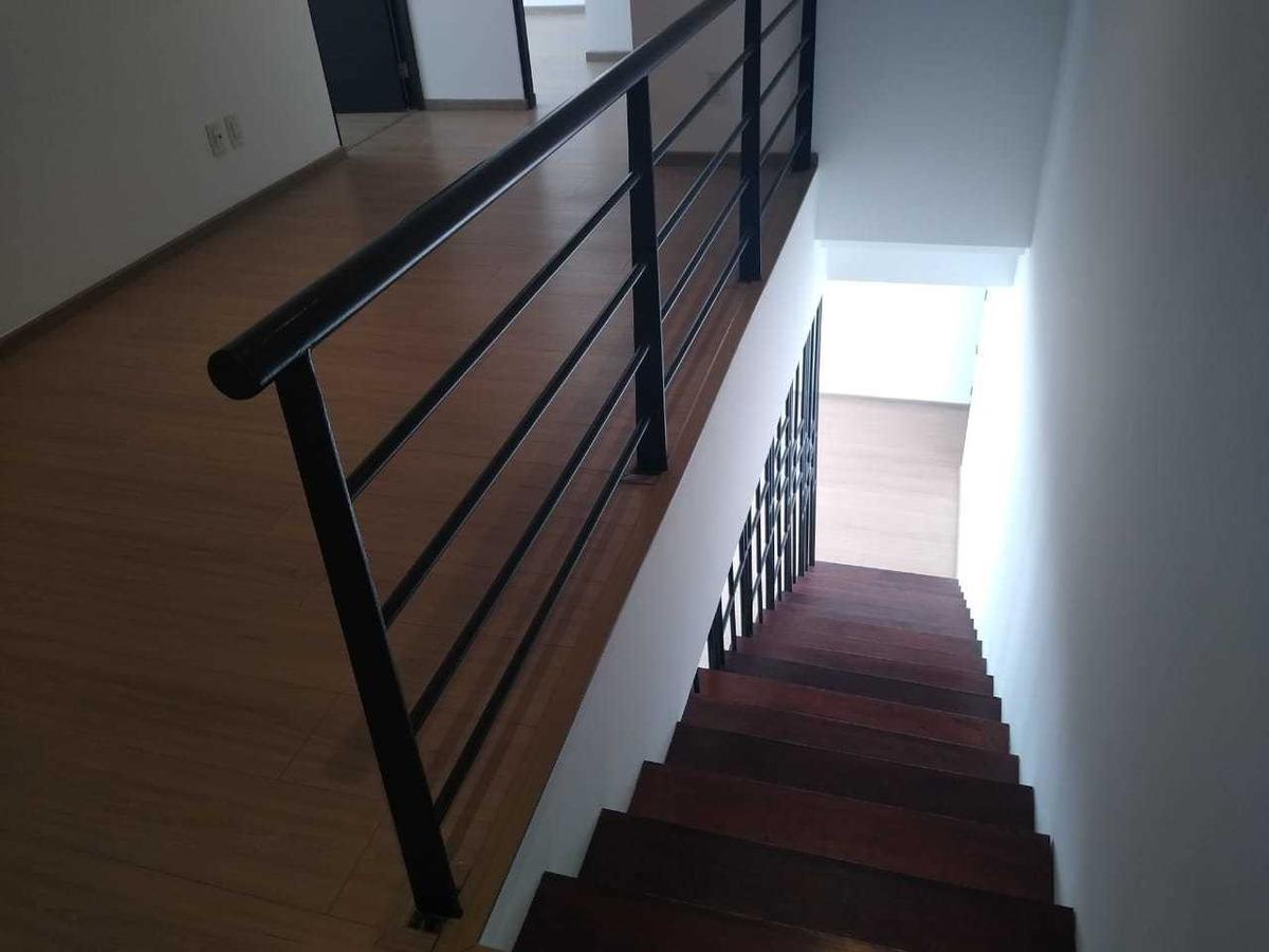 departamento de dos niveles en punta alta residencial