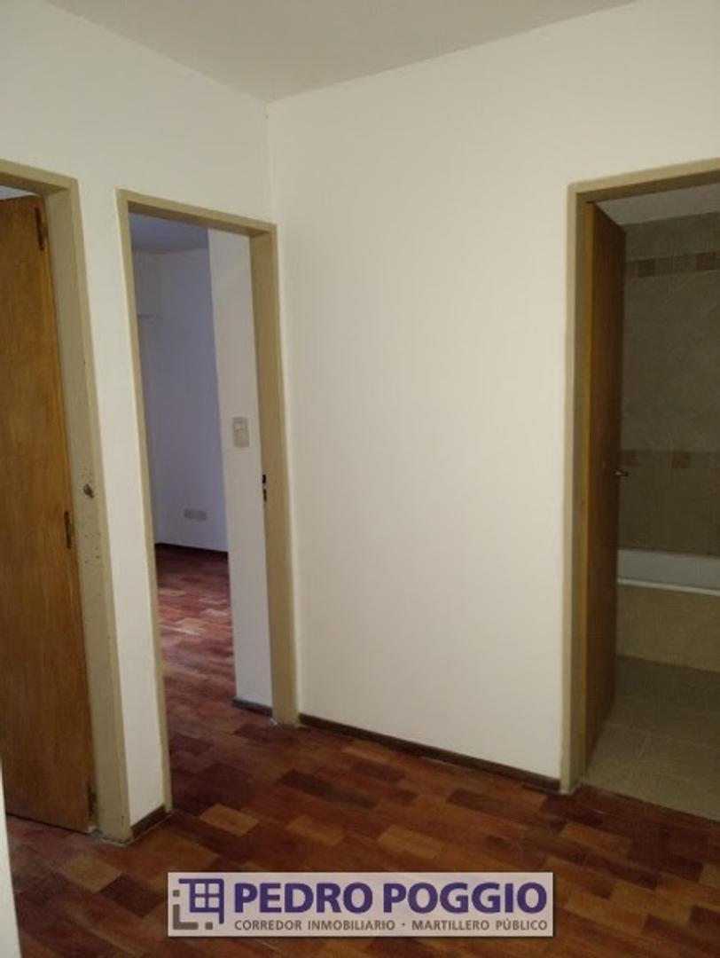 departamento de pasillo de 2 dormitorios - maipu 1138