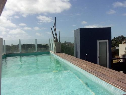 departamento de tres ambientes a dos cuadra de la playa