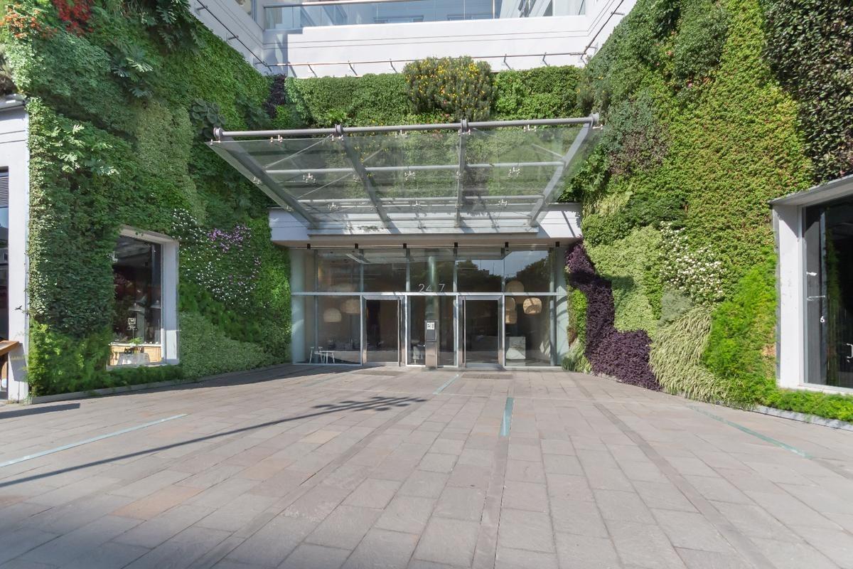 departamento de tres  ambientes con balcón aterrazada