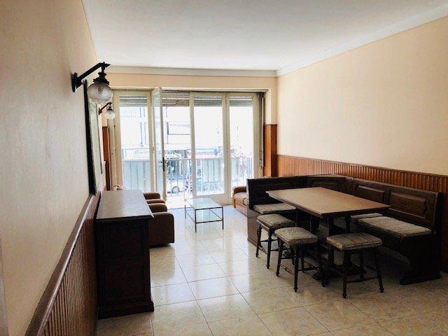 departamento de tres ambientes con dependencia y balcón al frente