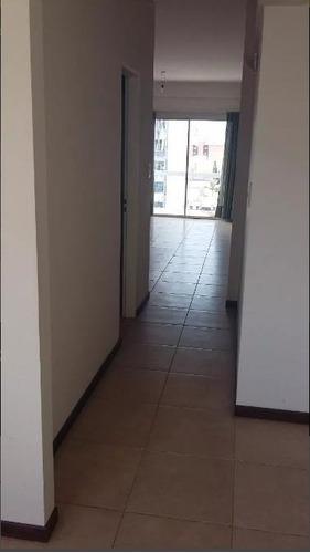 departamento de un dormitorio con balcón apto banco - la plata