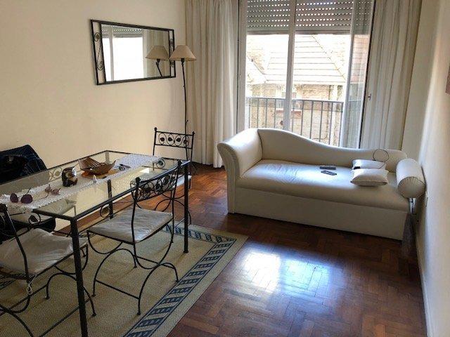 departamento dos ambientes con balcon. a metros de la playa. reciclado. apto credito. zona torreon.