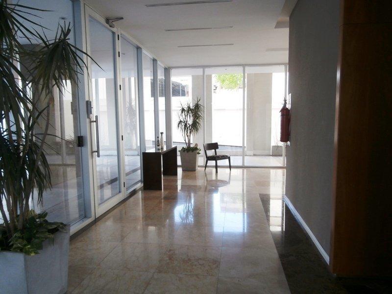 departamento dos ambientes con cochera. quincho, gimnasio, pileta. zona guemes