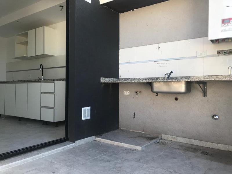 departamento dos ambientes en venta con amplio balcon, morón norte