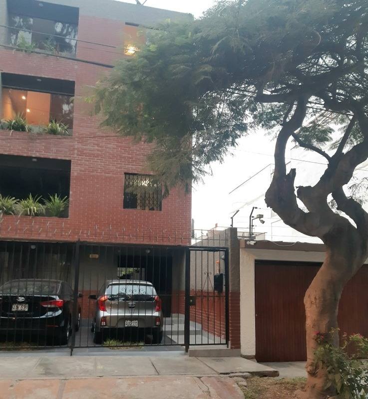 departamento duplex 3 dormitorios 2 baños frente al parque