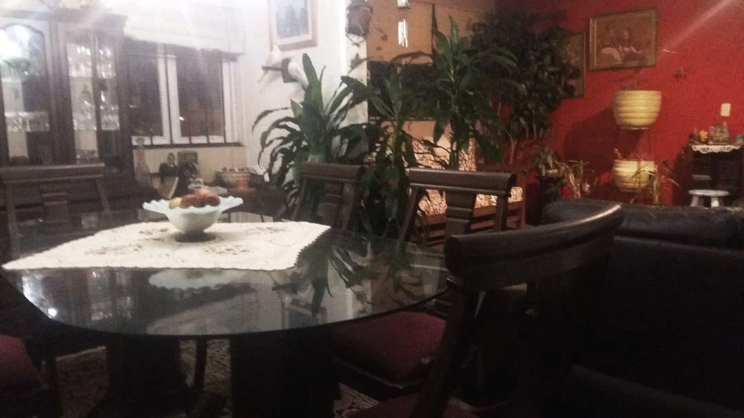 departamento dúplex, 3.5 domitorios, 2 baños, sala comedor.