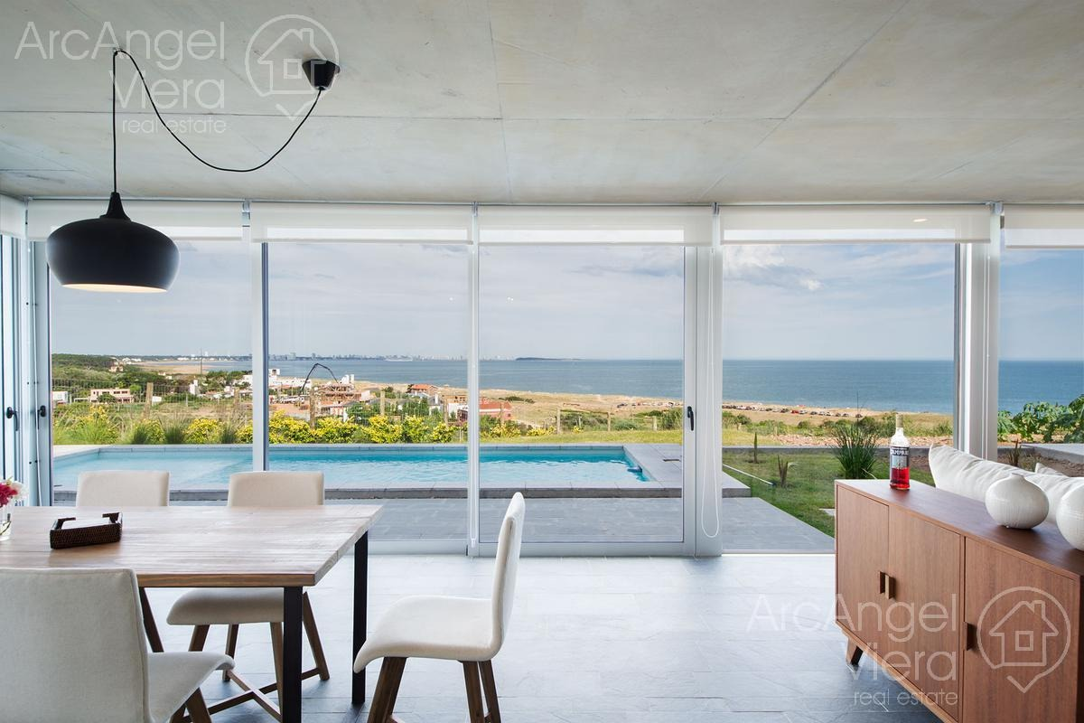 departamento duplex frente al mar  punta ballena
