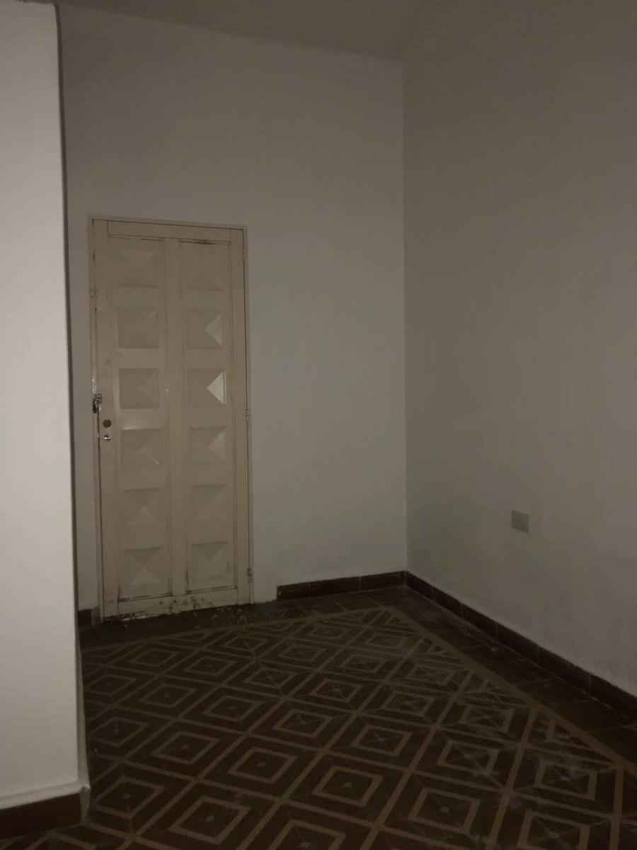 departamento en alquiler, alberdi, dos dormitorios con patio.