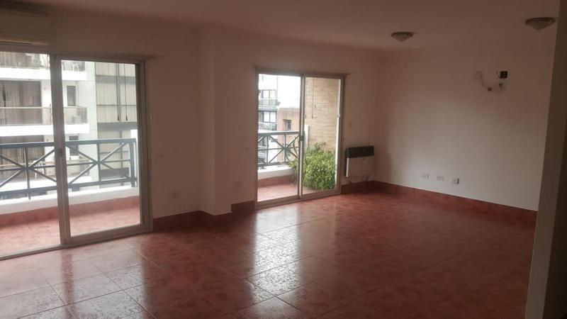 departamento en alquiler de 4 dormitorios   dep de servicio en nueva córdoba, c/balcón y terraza
