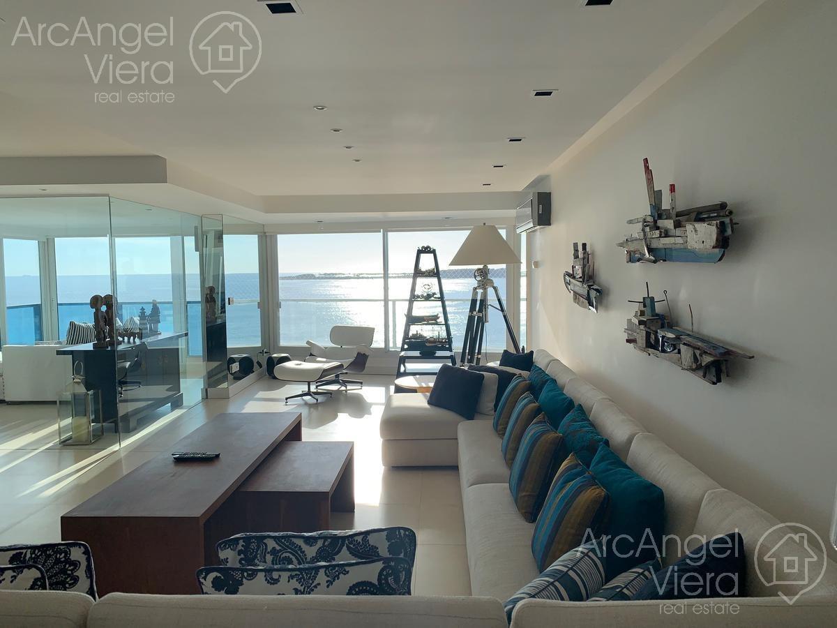 departamento en alquiler frente al mar en beverly tower  punta del este , playa mansa