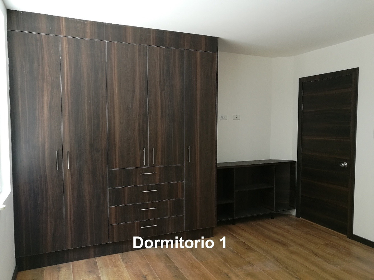 departamento en cumbaya de 3 habitaciones con patio propio