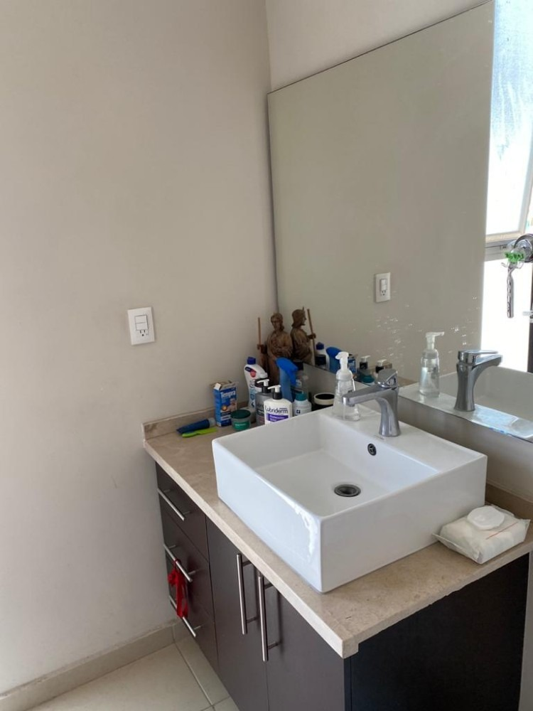 departamento en palmas condesa con 2 recamaras y 2.5 baños.