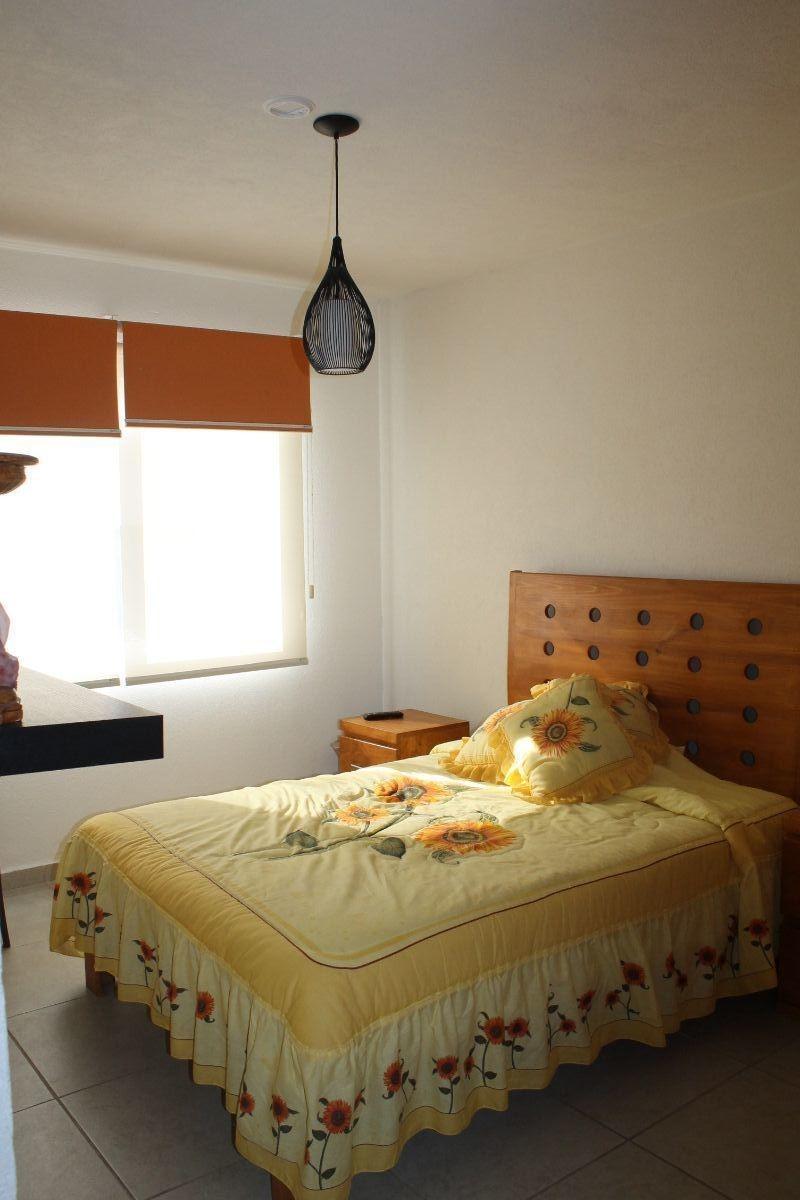 departamento en renta amueblado de dos niveles con roof garden en juriquilla