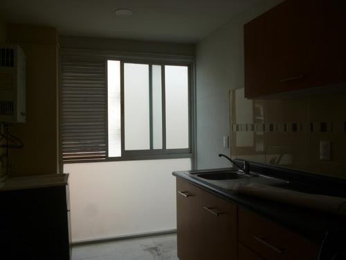 departamento en renta ubicadisimo, muy iluminado