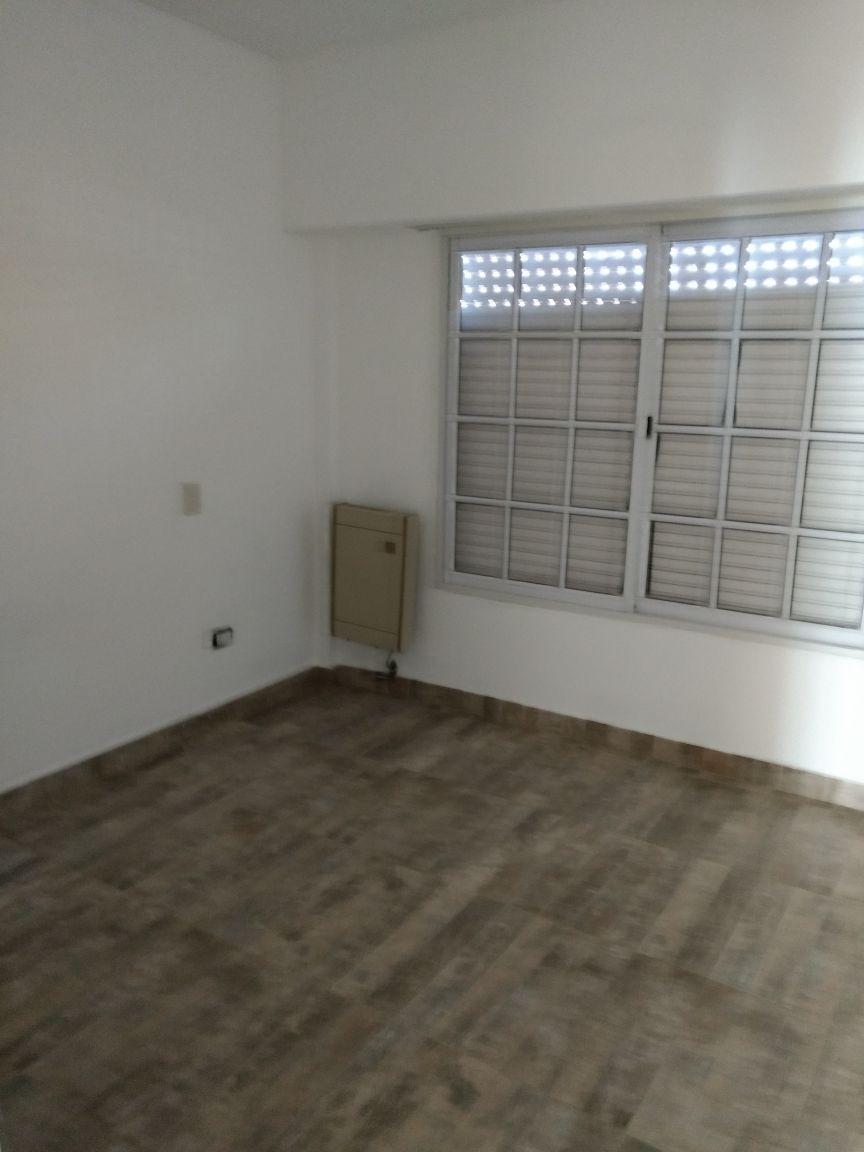 departamento en venta de 2 ambientes con cochera y patio