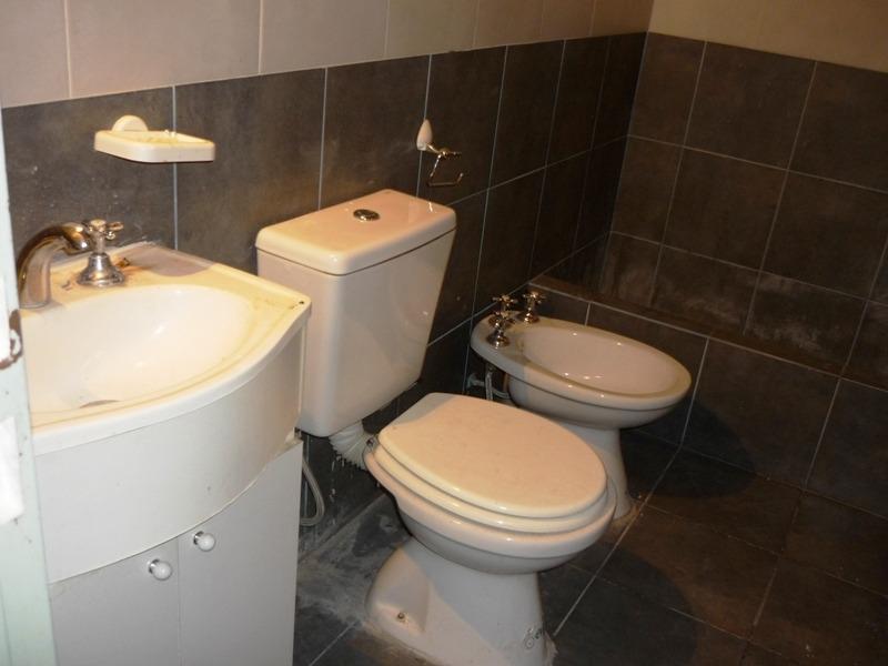 departamento en venta de 2 ambientes en condominio pilar