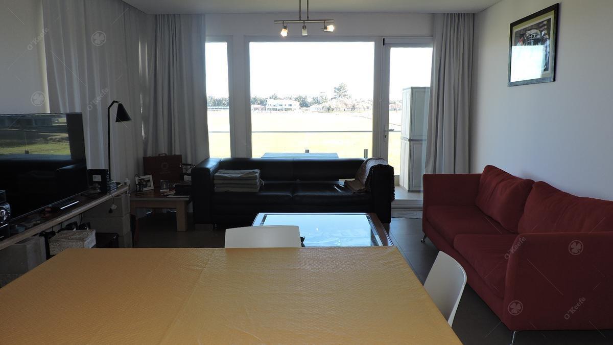 departamento  en venta de dos ambientes con vista al polo