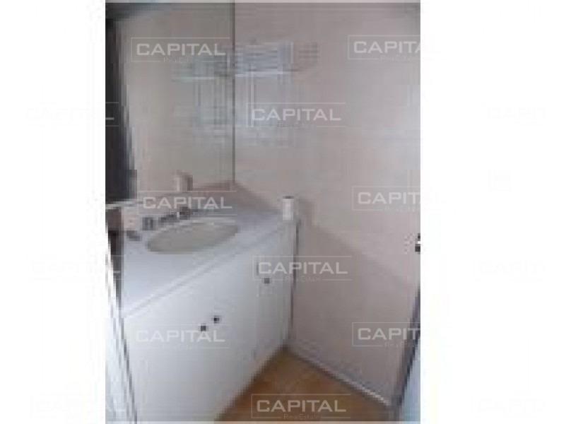 departamento en venta de dos dormitorios con amplio metraje a metros de plaza méxico, punta del este-ref:28537