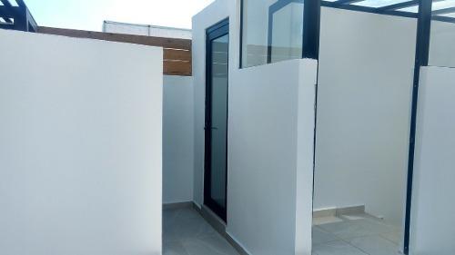 departamento en venta de lujo en zibata con roof garden privado