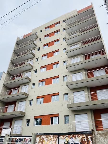 departamento en venta, dos ambientes en morón.  con balcón terraza
