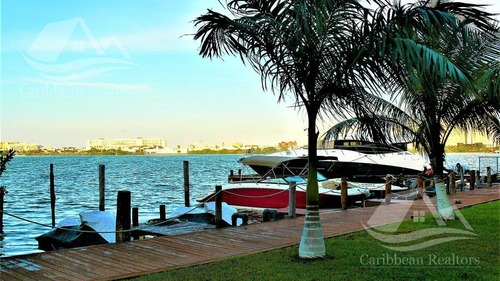 departamento en venta en cancun/isla dorada/punta dorada