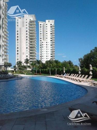 departamento en venta en puerto cancún/zona hotelera/isola