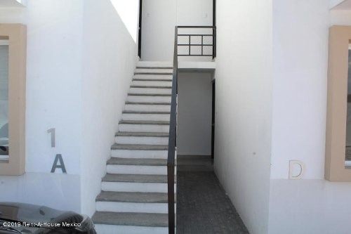 departamento en venta en santa maria magdalena, queretaro, rah-mx-20-502