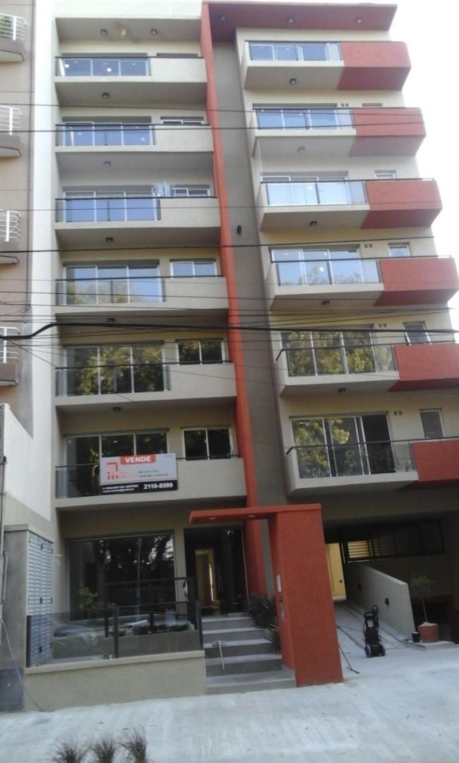 departamento en venta en tres de febrero - luis maria campos al 5300 venta de departamento a estrenar de 2 ambientes, orientación contra frente 1º y 5º piso.   f: 7599