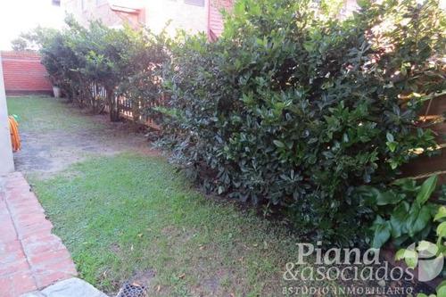 departamento en venta-pinamar-frente al mar-3 ambientes-jardin amplio con parrilla