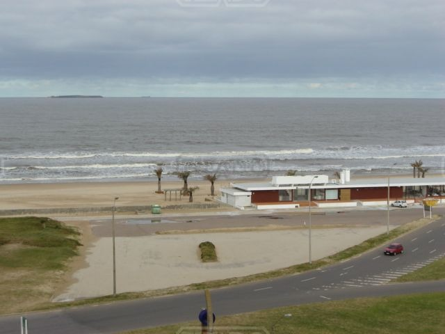 departamento  en venta ubicado en playa brava, punta del este