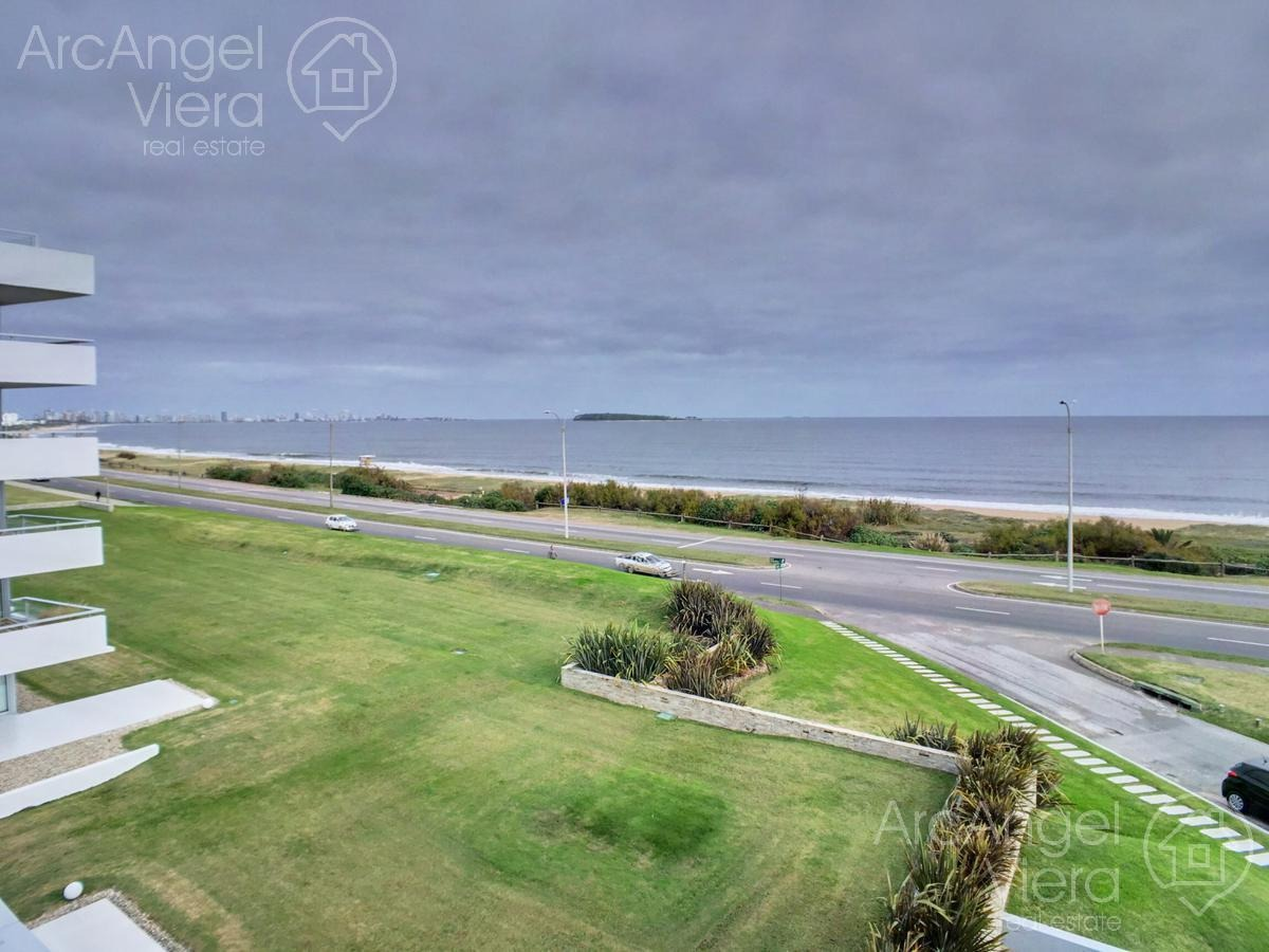 departamento  frente al mar en alquiler anual   venta en punta del este ,  playa mansa