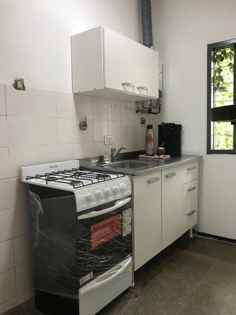 departamento ideal para inversiones. 1 dormitorio de 34 m2. ayacucho 1800.