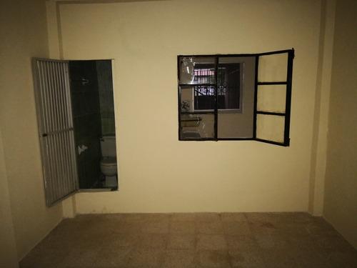 departamento interior con sala, cocina, 1 cuarto y baño.
