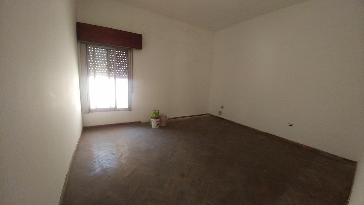 departamento interno de 3 ambientes con 2 patios oportunidad